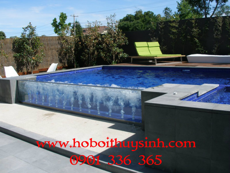 pool-glass-wall-deck-jets-1